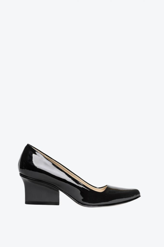 EJK0000035 Jo pumps black patent 1B