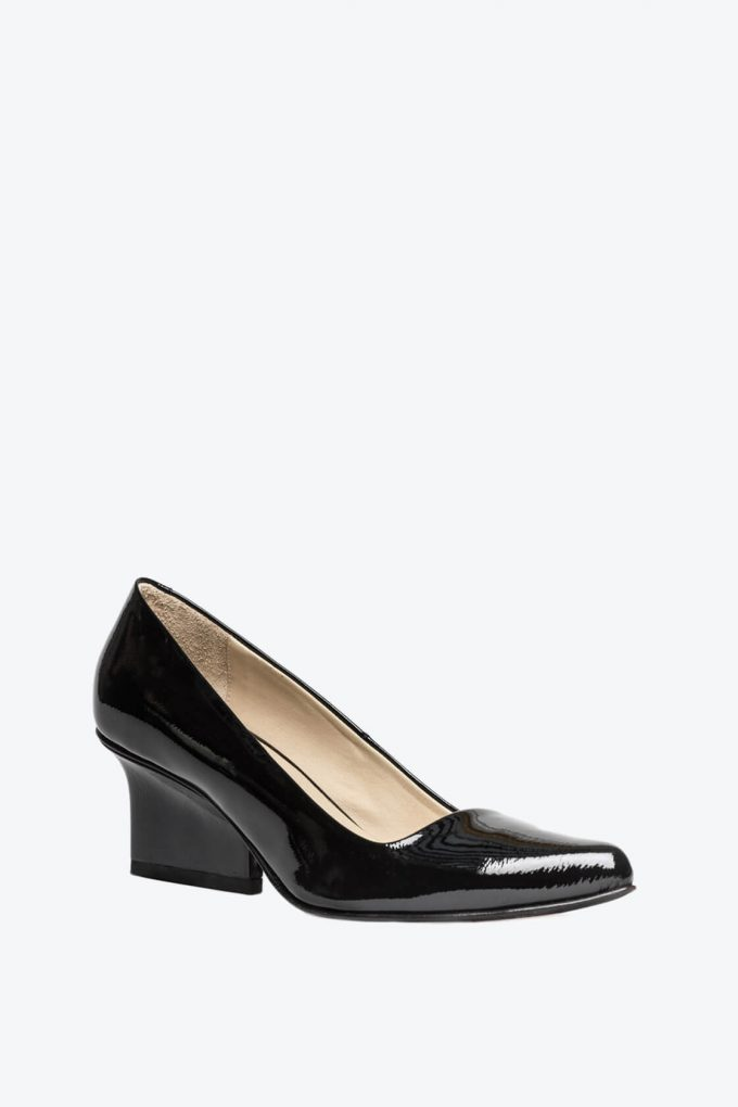 EJK0000035 Jo pumps black patent 3