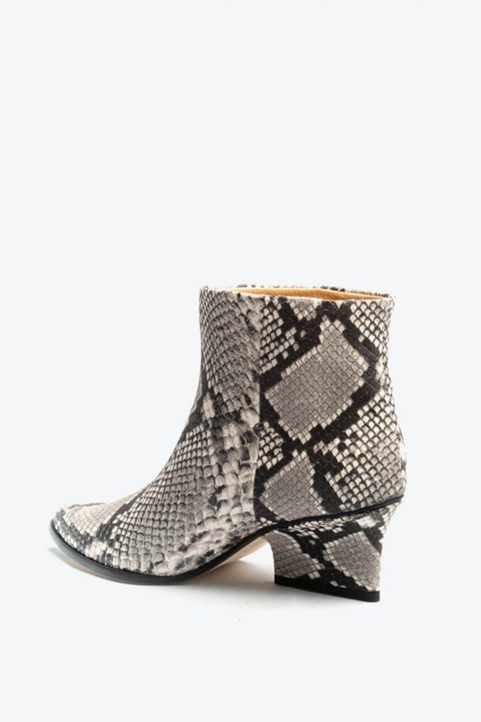 EJK0000039 Denis ankle boots smog python 3