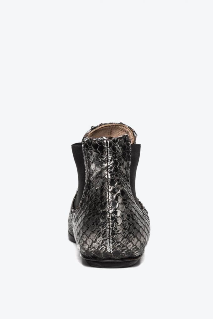 EJK0000061 Niki chelsea boots silver washed python 3