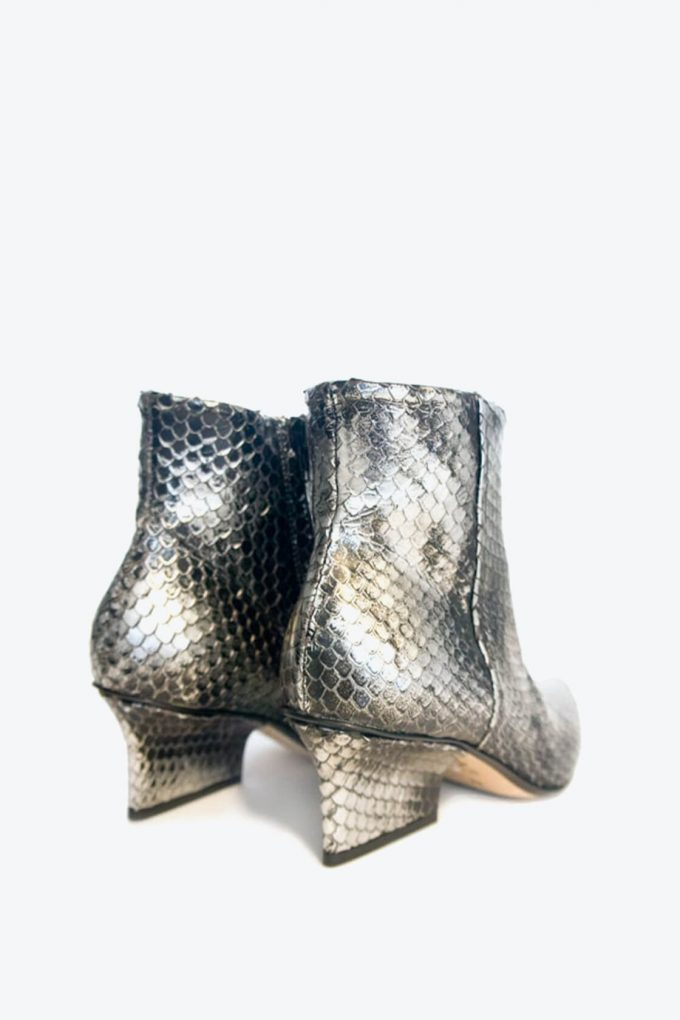 EJK0000063 Denis ankle boots silver washed python 3