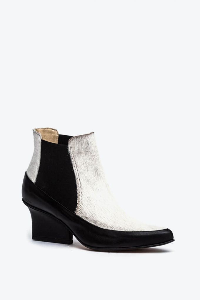EJK0000065 Gina chelsea ankle boots 2