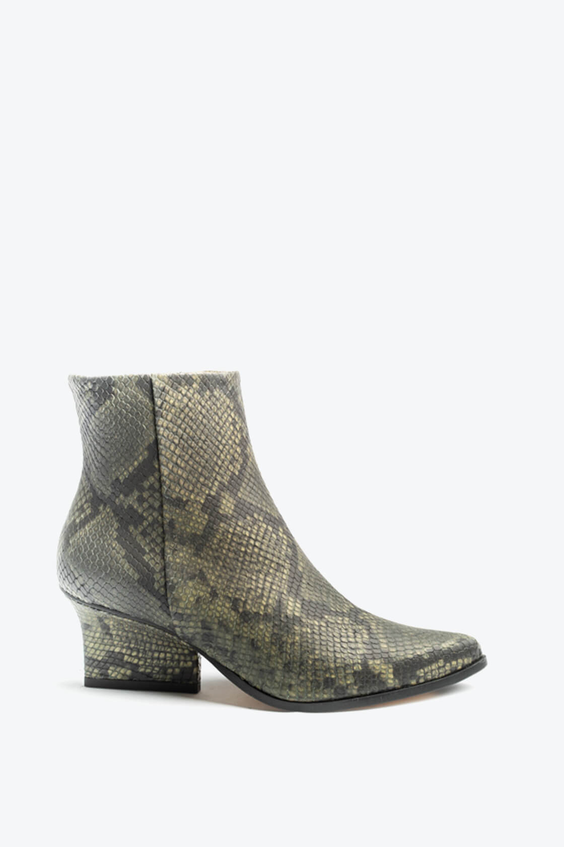 EJK0000085 Ryan ankle boots Green python 1